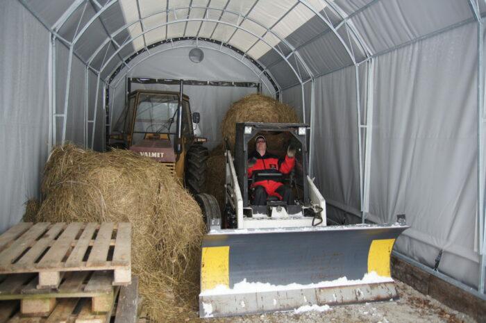 4m leveä traktoritalli